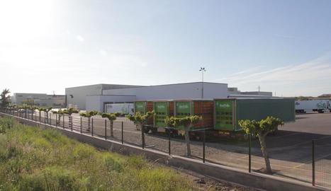Exterior de les instal·lacions de l'escorxador d'Avidel, propietat de Vall Companys, a Alcoletge.