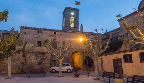 Imatge del rellotge de l'església de Tarroja de Segarra.