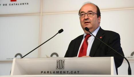 El líder del PSC, Miquel Iceta, durant la roda de premsa que va oferir ahir.