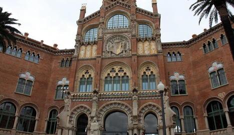 Vista de la façana de l'hospital Sant Pau de Barcelona.