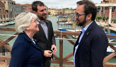 Els candidats de JxCat-Lliures per Europa, Clara Ponsatí i Toni Comín, ahir a Venècia.