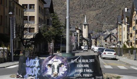 Una pancarta a Esterri d'Àneu anunciava al març el Doctor Music a Escalarre (la Guingueta).