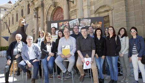 Representants dels onze museus van col·locar ahir a Cervera les seues propostes en un plafó.
