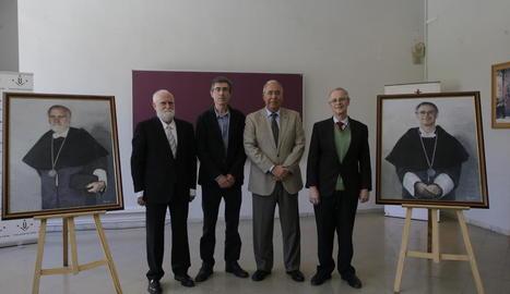Els quatre rectors de la UdL i els quadres de Porta i Viñas.