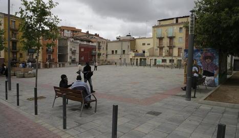 La plaça del Dipòsit és el centre neuràlgic del Barri Antic.