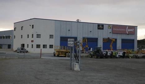 Vista exterior de l'empresa on va tenir ahir lloc el sinistre mortal al polígon Les Canals.