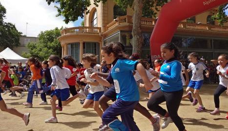 Prop de 800 atletes participen a la 21a Milla Urbana Escolar de Lleida