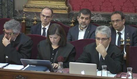 Imatge de Jordi Turull, Jordi Sànchez i Josep Rull, en una de les sessions del judici al Suprem.