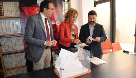 El sorteig davant de notari dels 3.000 euros.