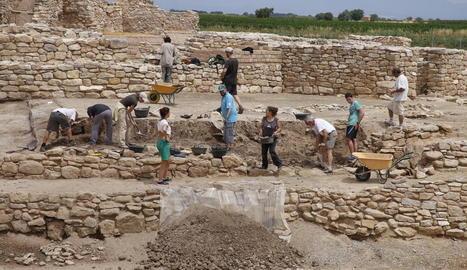 Curs d'arqueologia als Vilars d'Arbeca el juny del 2017.