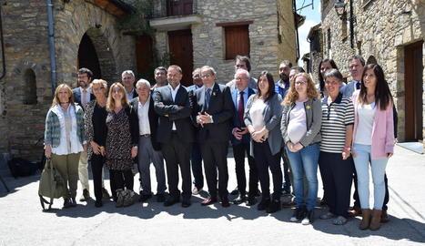 El president Quim Torra, ahir amb els alcaldes i alcaldesses de l'Alt Urgell.
