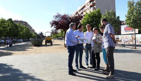 Xavier Palau va visitar ahir el barri de Pardinyes.