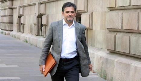 L'exdirigent de CDC Oriol Pujol, als voltants del Palau de Justícia de Barcelona.