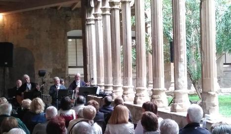 Imatge de l'acte per a la gent gran que va organitzar ahir Junts per Balaguer.