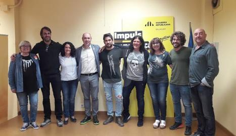 Jordi Ignasi Vidal, envoltat de membres de la candidatura al conèixer els resultats.
