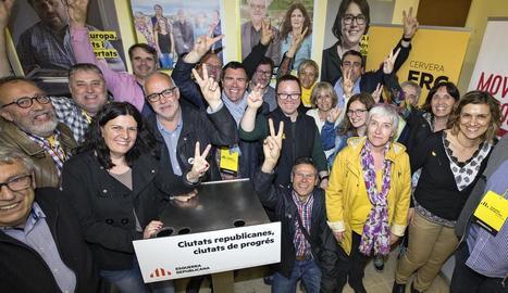 ERC va celebrar la victòria al seu local, situat al cèntric carrer de Santa Anna.