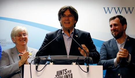 Ponsatí, Puigdemont i Comín, al conèixer els resultats.