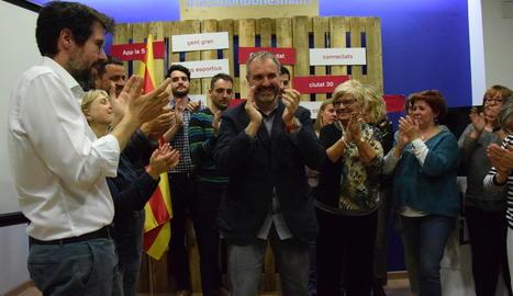 Fàbrega celebra els resultats de les eleccions de diumenge.