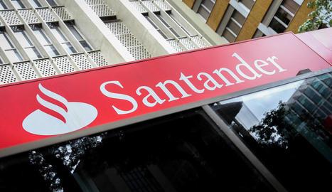 Façana d'una sucursal del Banc Santander.