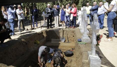 Recuperen cinc cossos de la fossa de la Guerra Civil a Alguaire