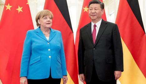 Trobada entre el president de la Xina, Xi Jinping, i la cancellera alemanya, Angela Merkel.