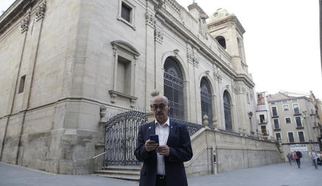 Els feligresos podran fer els donatius a través del mòbil sense haver d'anar a l'església o a missa.