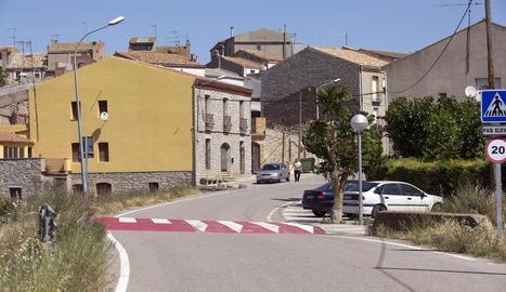Enllumenat públic a l'entrada de Tarroja de Segarra.
