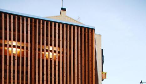 Edifici de nova planta de promoció privada
