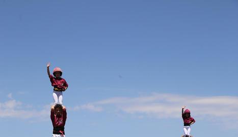 Els Castellers de Lleida van obrir ahir la festa de la lavanda.