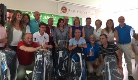 Els guanyadors del torneig i els que van rebre premis.