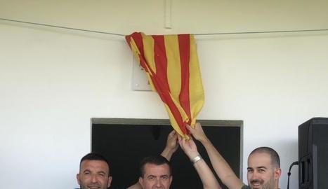 Melcior Claramunt, amb la directiva del club de futbol.