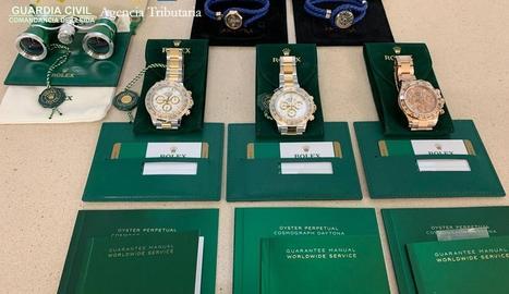 Decomissats tres rellotges valorats en més de 56.000 euros a la Farga de Moles