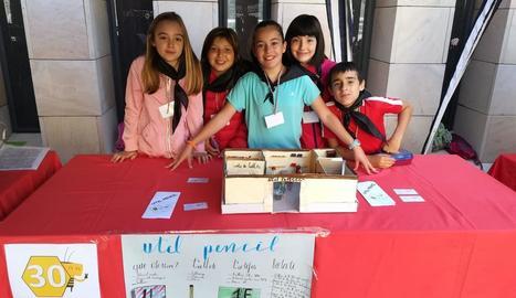 Un dels grups d'alumnes que van participar a la fira FER.