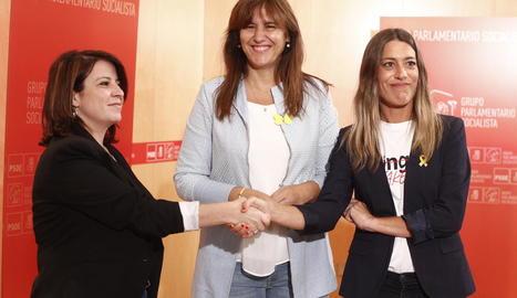 El portaveu d'ERC, Gabriel Rufián, amb Adriana Lastra, vicesecretària general del PSOE.