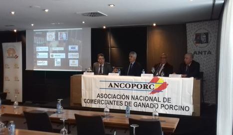 Imatge dels ponents de l'assemblea d'Ancoporc.
