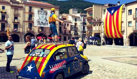Presència lleidatana al 'Dinar groc' celebrat ahir a Amer, poble natal de Carles Puigdemont.