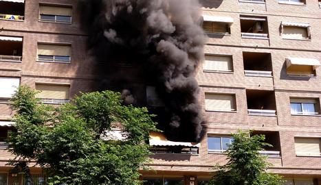 Incendi al carrer Jaume II de Lleida