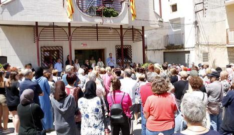 Emotiu homenatge a l'adolescent ofegat a la Granja d'Escarp