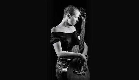 La nova imatge de la cantautora aranesa Alidé Sans.