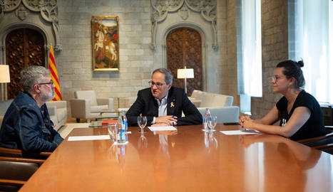 Puigdemont i Comín, ahir al Parlament Europeu, amb líders independentistes i eurodiputats.