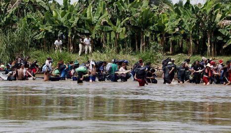 Integrants d'una caravana de migrants de camí als EUA.