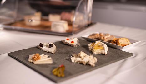 El tast de formatges emplatat i a punt per servir.
