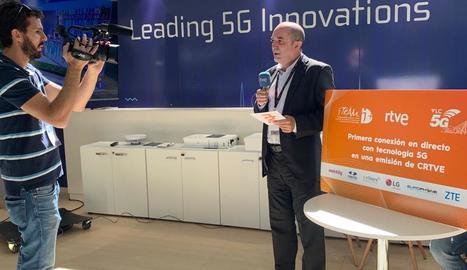 Moment de la connexió en directe amb tecnologia 5G.