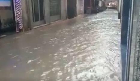 Calles de Tàrrega convertidas en ríos por la lluvia
