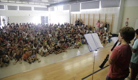 Audició multitudinària al col·legi La Mitjana.