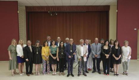 Els equips negociadors d'ERC, JxCat i Comú, ahir a l'última reunió per formar govern.
