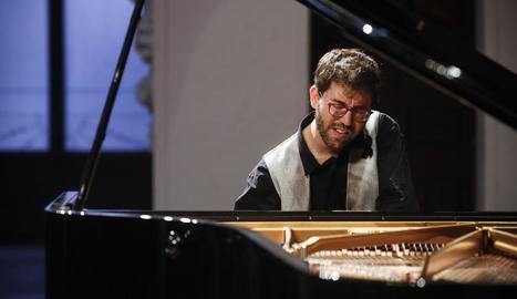 Pianos a quatre mans. Els pianistes Carles Marigó i Marco Mezquida presentaran el seu projecte a quatre mans Les set fulles del faig a l'església de Son.