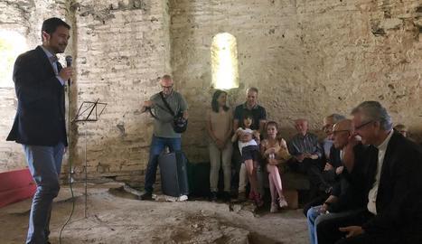 El conseller, durant la inauguració de l'ermita ahir a Farrera.
