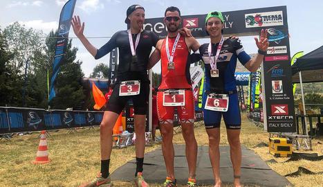 Xavier Jové, de Ponts, guanya el triatló de llarga distància Xterra Italy