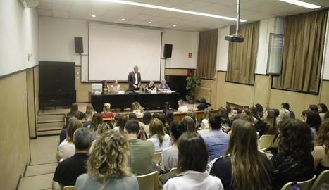 Candidats a places de mestre, en una prova aquest mes a Lleida.